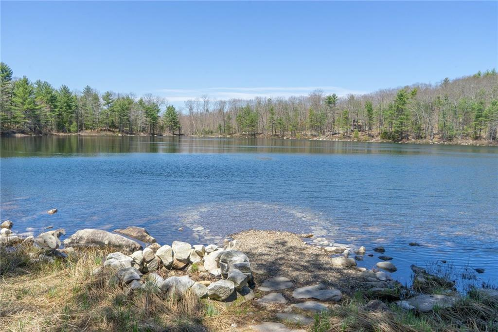 Pond frontage home on Nichols Pond - Swanville Maine