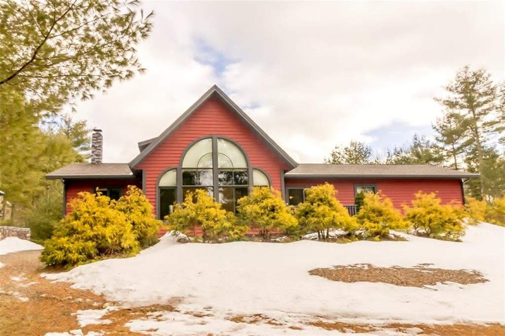 Maine Contemporary Home on blissfully private pond in a gated community for sale