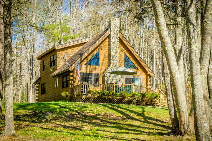 Maine Oceanfront Log Home on 8 Private Acres