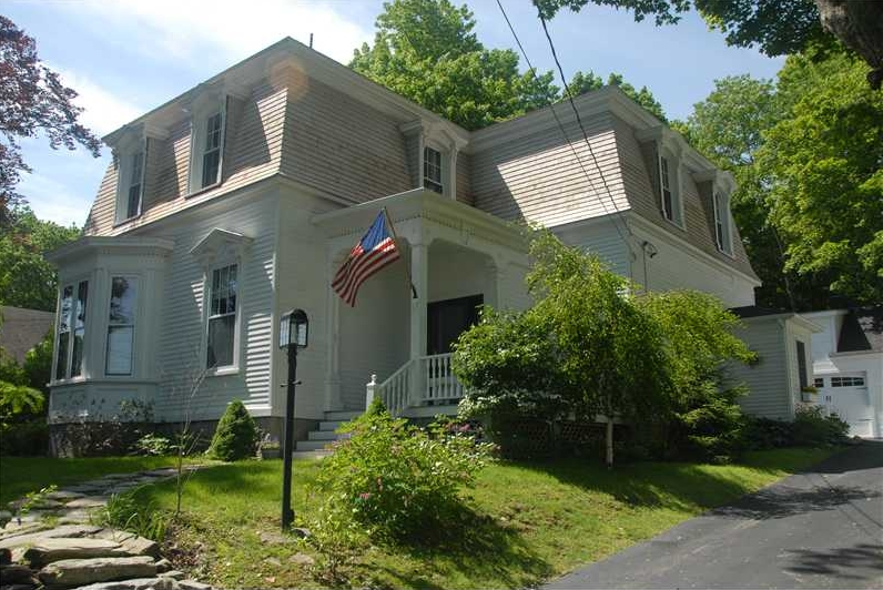 Belfast,Maine Real Estate Listing - 9 rooms, 4 bedrooms, 2 full baths