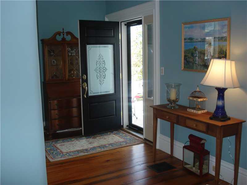 Livingroom - 17 Cedar St. Belfast, Maine