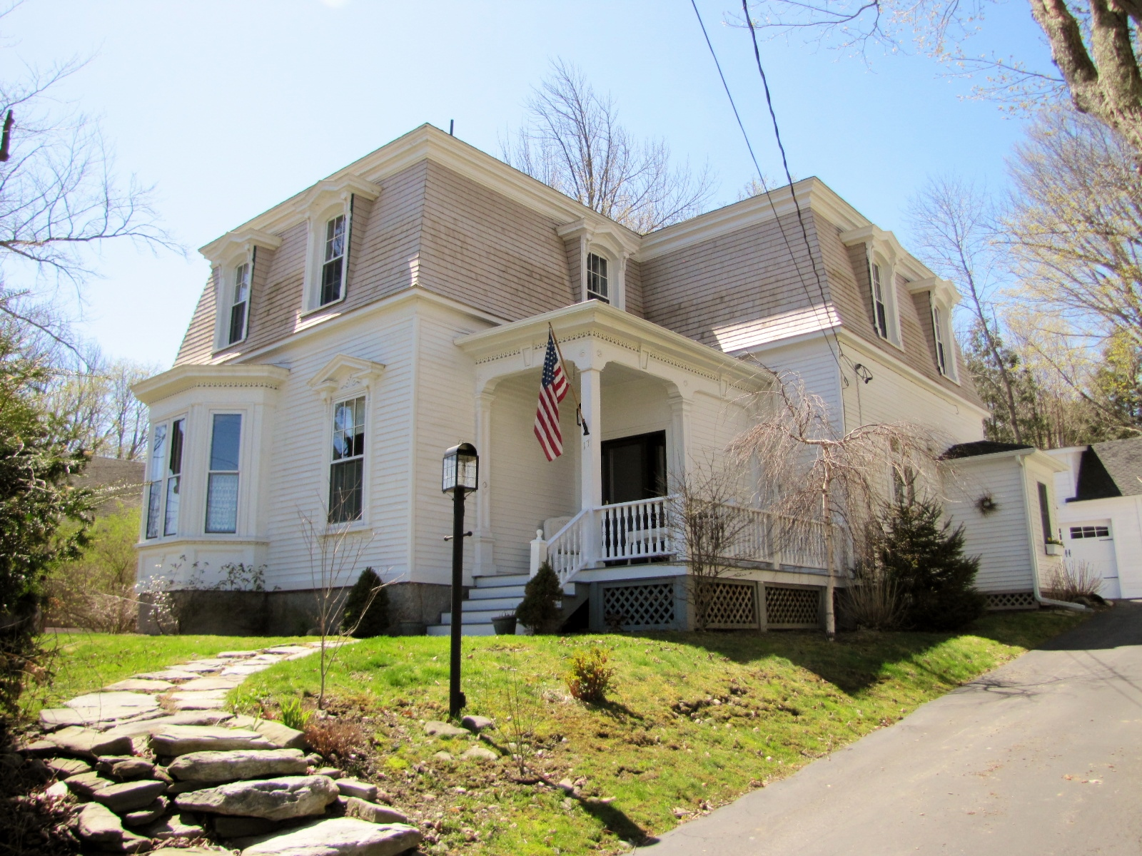 Real Estate Listing - 4 bedrooms, 2 full baths, chef's kitchen, butler's pantry, 