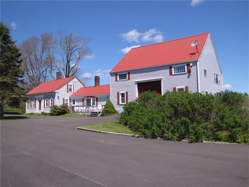 Cape style home for sale on the coast of Maine