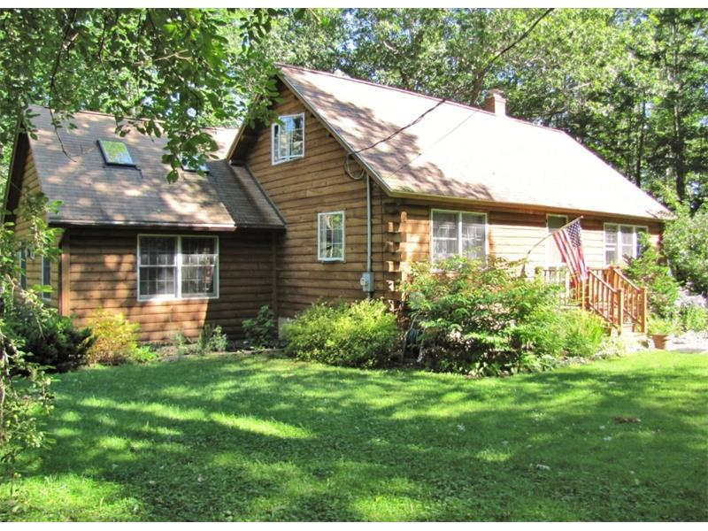 3 bedroom, 2 bath, Log Home for sale on the coast of Maine