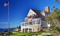 Lakefront Home on the Cost of Maine