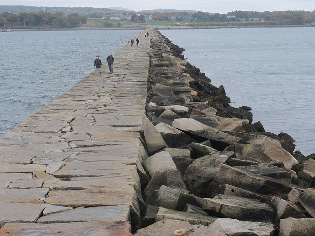Web-Cam Rockland Breakwater on the coast of Maine