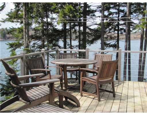Maine Private Oceanfront Home with idyllic water views near Tenants Harbor and Port Clyde, Maine